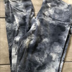 NWOT PINK Blue Tye Dye Ultimate Leggings